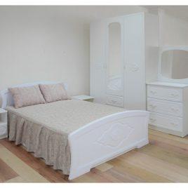 Спальня с декором