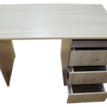 Стол письменный с ящиками